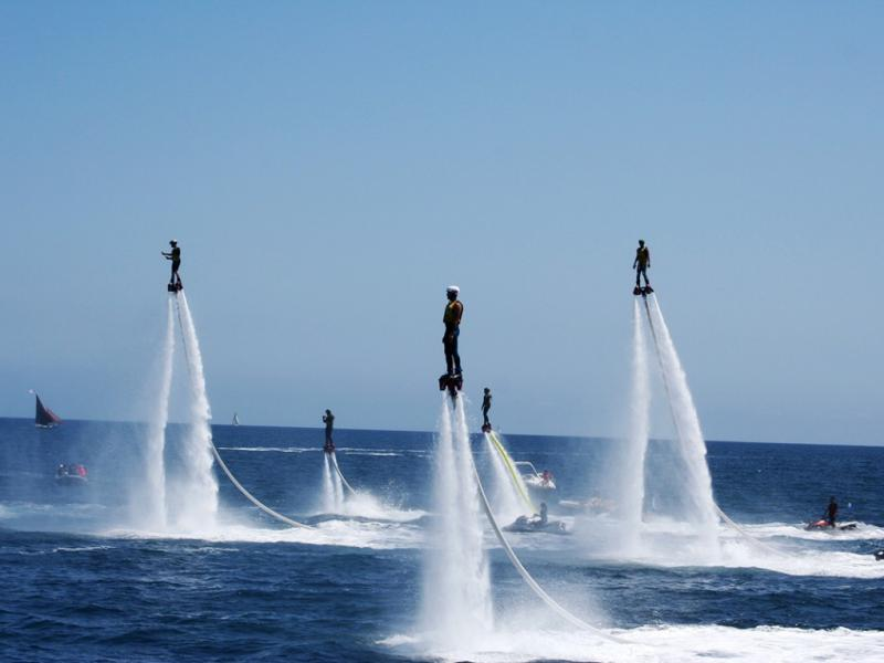 Cavalaire, capitale mondiale du flyboard